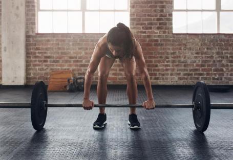 Stiff com barra: como fazer e benefícios