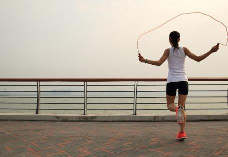Como pular corda para emagrecer mais rápido?