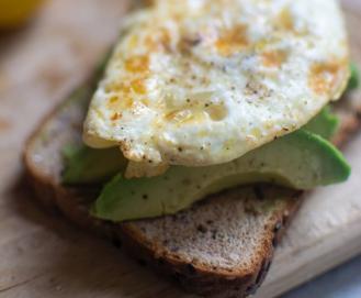 Os melhores alimentos pós-treino recomendados por nutricionistas