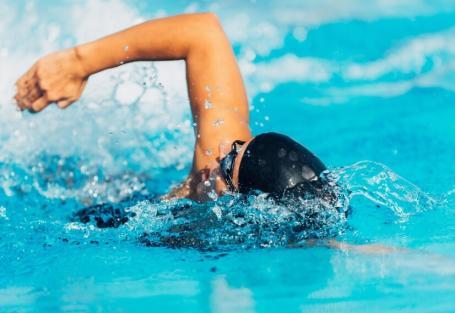 Como tirar o máximo proveito do seu tempo em piscina pequena